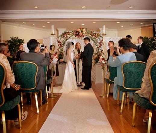 Garden Wedding Ceremony: Outdoor Wedding Venues & Garden Wedding Locations